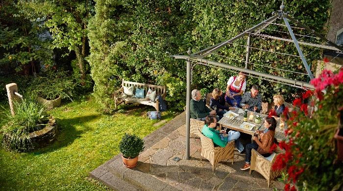 Bömers - Im Garten mit Freunden
